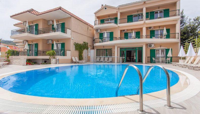 Konstantinos Hotel